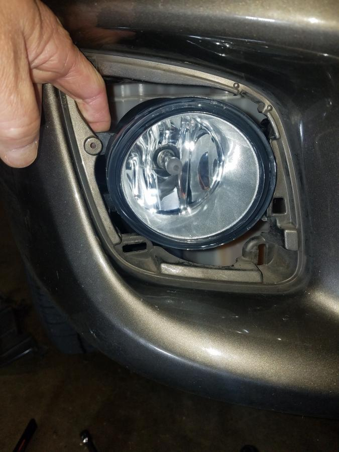 6 inch Driver side WITH install kit 2011 Nissan VERSA Post mount spotlight -Chrome 100W Halogen