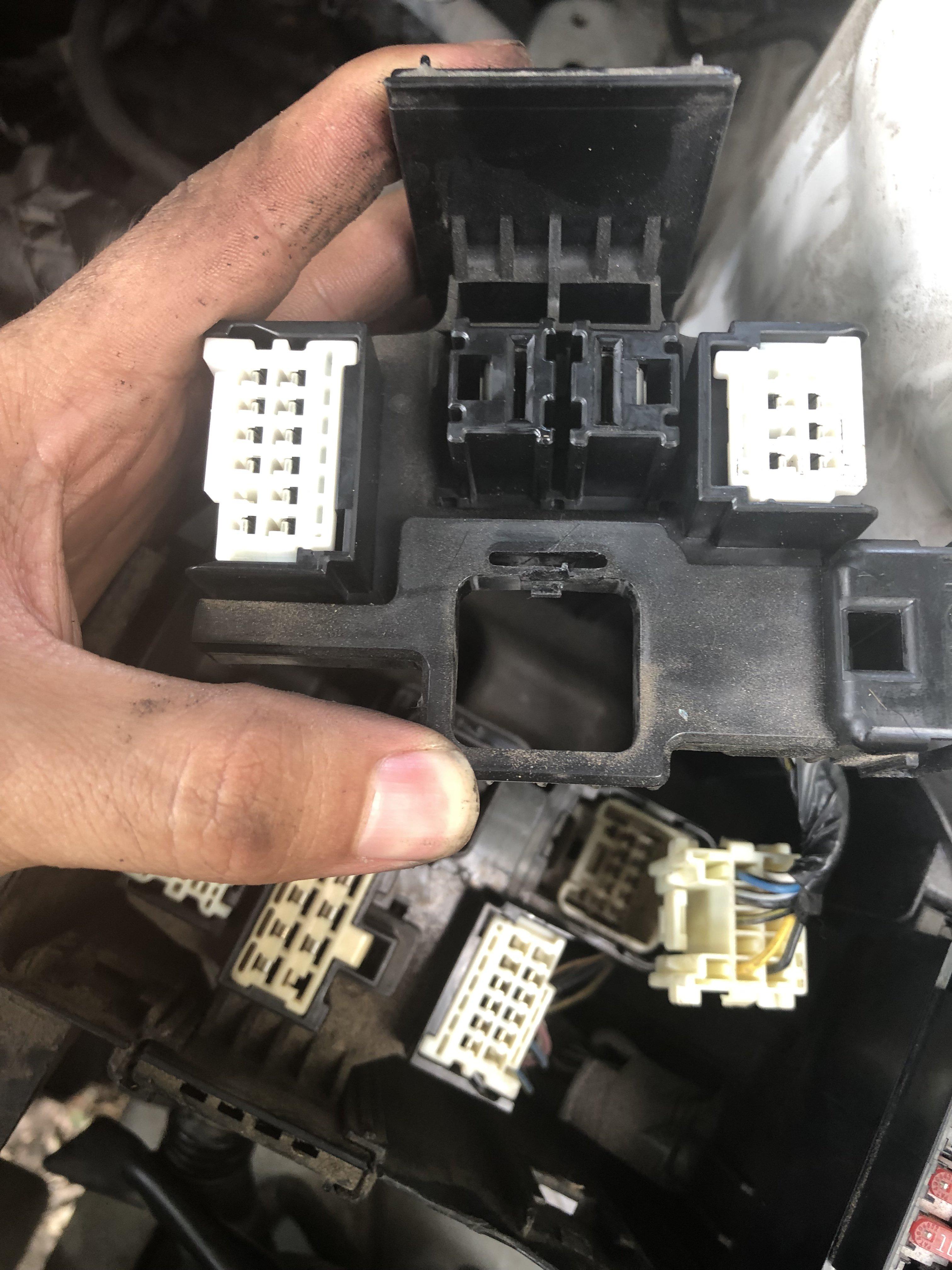 Car Fuse Box Removal - Wiring Diagram Go free-observer -  free-observer.reginaviarum.it | Saturn Sl2 Fuse Box Removal |  | Regina Viarum
